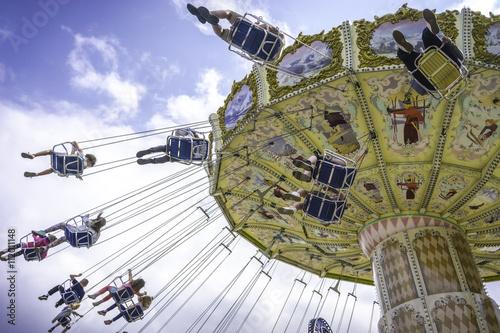 Tuinposter Amusementspark Swing away 006