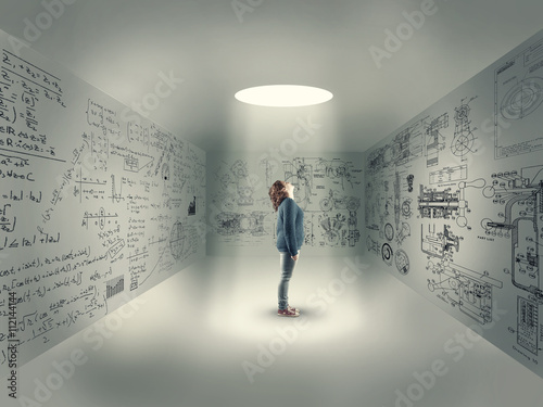 Poster Young girl in center of a room