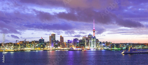 Aluminium Fyle Auckland skyline