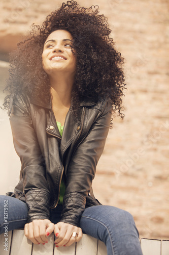 Afro happy latin woman - 112175962