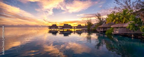 Fotobehang Bali Romantischer Sonnenuntergang auf den Malediven