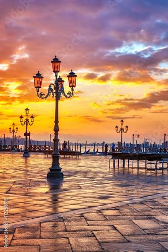 Fototapeta Piazza San Marco at sunrise, Vinice, Italy