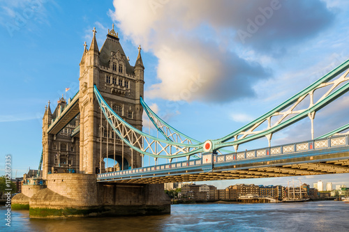 Zdjęcia na płótnie, fototapety, obrazy : Tower Bridge in London during sunset with a closer look at the suspender design