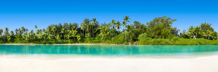 Palmenstrand in den Tropen