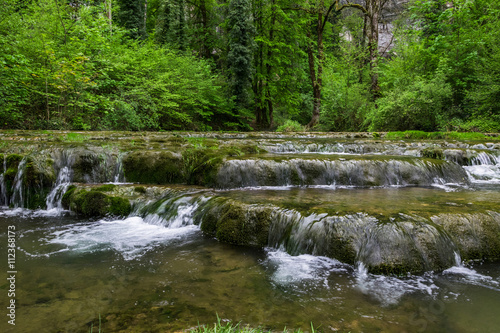 Fotobehang Bos rivier Rivière le Dard