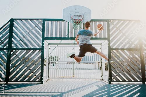 Plakát, Obraz Basketbal / dynamischer Sprung zum Basketballkorb