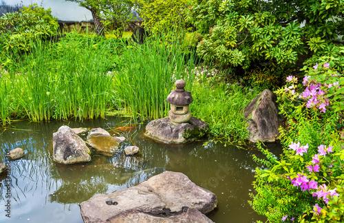 Fototapeta Traditional Japanese garden Koko-en in Himeji