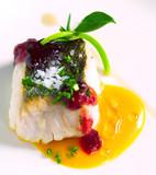 platos de comida elaborada y sofisticada pescado