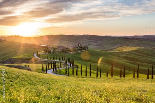 Staande foto Toscane Beautiful sunset near Asciano, Tuscany, Italy