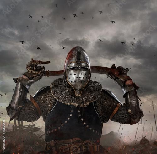 rycerz-z-mieczem-na-polu-bitwy