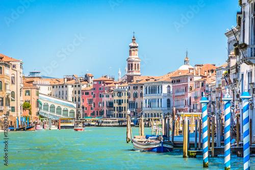 Leinwand Poster Venice cityscape idyllic waterfront view