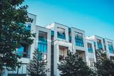 Urban living in modern luxury townhouses - 113285381