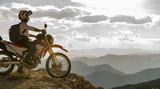 Sukces bramki z motocyklem