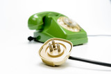 Presa telefonica con telefono vintage, fuoco selettivo