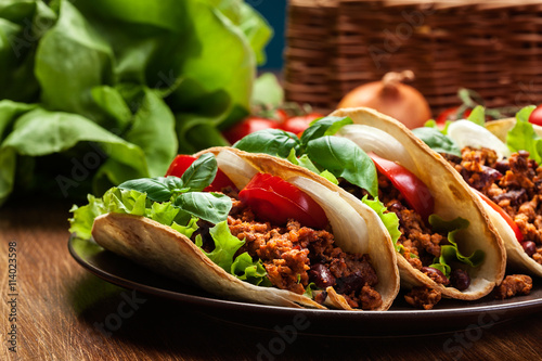 Plagát, Obraz Mexican tacos with minced meat, beans and spices