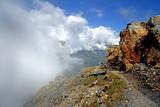 Im Gebirge - Der Weg in die Wolken