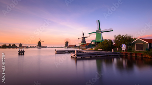 Fotobehang Amsterdam Twilight at Zaanse Schans, windmills village, near Amsterdam