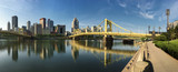 Fototapety Panorama of the Pittsburgh city center between two bridges