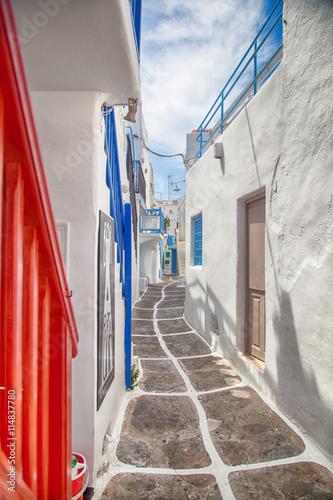 Zdjęcia na płótnie, fototapety na wymiar, obrazy na ścianę : Grecia, vicolo di Mykonos