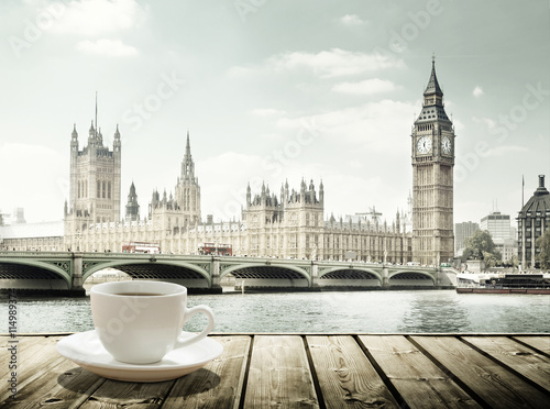 Papiers peints Londres Big Ben and cup of coffee, London, UK