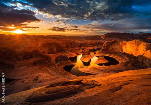 obraz lub plakat Sunrise over Reflection Canyon
