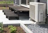 住宅 戸建て住宅のウッドデッキ イメージ 施工例 木製 エアコン室外機あり - 115189580