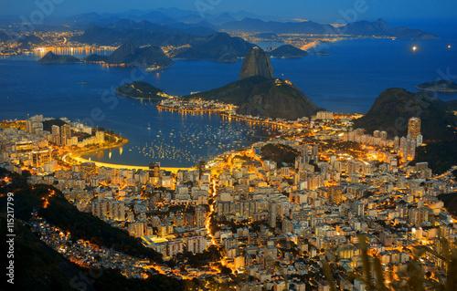 Foto op Canvas Rio de Janeiro Zuckerhut in Abenddämmerung