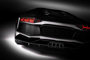 Szybki czarny samochód