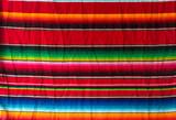 Fundo com tecido colorido.