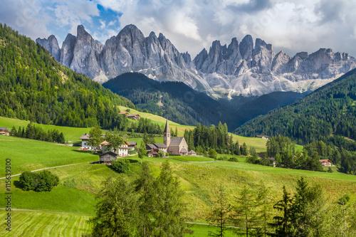 Zdjęcia na płótnie, fototapety na wymiar, obrazy na ścianę : Val di Funes, South Tyrol, Italy