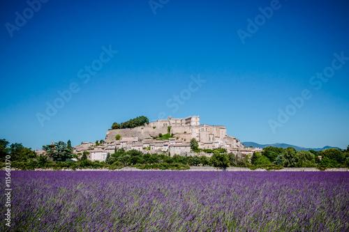 Aluminium Lavendel Champs de lavandes devant le village de Grignan