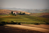 Summer landscape in Tuscany - 115831312