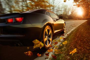 Auto im Herbst