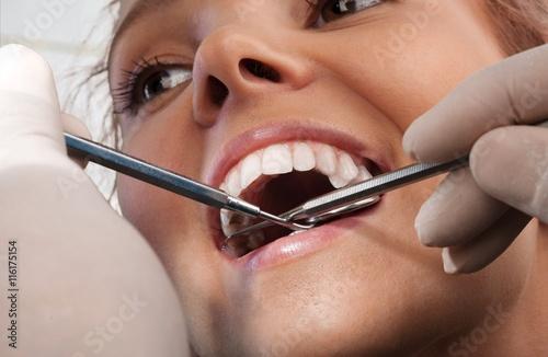 Dentist. Plakat