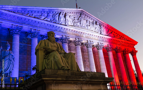 Papiers peints Nice The French National Assembly lit up with the colors of French na