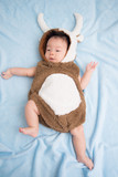 Little anfant Baby wearing deer costume