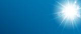 Blauer Hintergrund Himmel und Sonne
