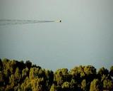 balıkçı teknesi ve dalgalar