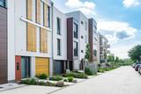 Moderne Wohnsiedlung - 117060540