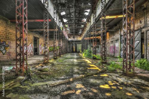 Aluminium Oude verlaten gebouwen Abandoned dilapidated warehouse