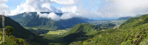Papiers peints Photos panoramiques Panoramique de la Plaine des Palmistes, Réunion.