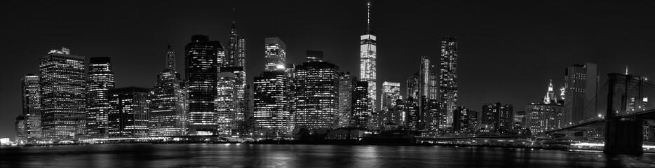 New York City Manhattan downtown skyline at dusk with skyscraper © jovannig