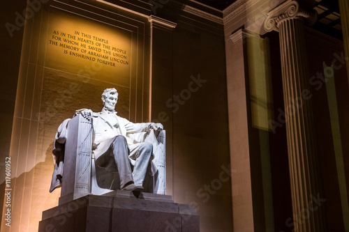 Abraham Lincoln Memorial at night Tableau sur Toile