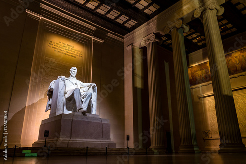 Poster Abraham Lincoln Memorial at night