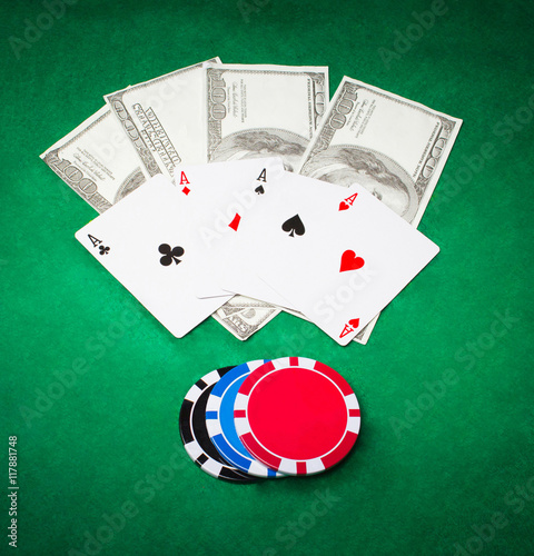 Poster Poker cloth, a deck of cards and chips