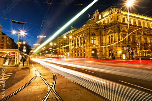 Foto op Canvas Wenen Illuminated Opera house in Vienna, Austria