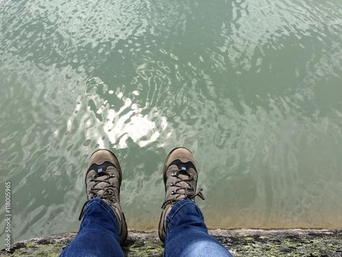 Zdjęcia na płótnie, fototapety, obrazy : Füsse über Wasser