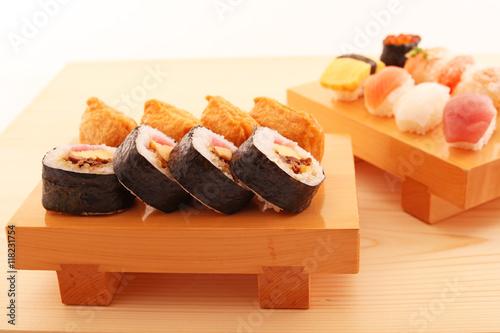 Fototapeta 美味しそうなお寿司