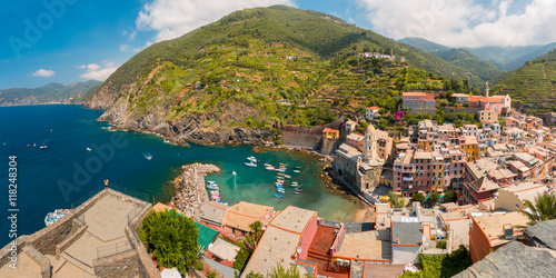 Foto op Plexiglas Cyprus Aerial panoramic view of Vernazza fishing village in Five lands, Cinque Terre National Park, Liguria, Italy.