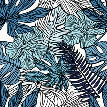 Flores exóticas tropicales y plantas con hojas verdes de palma.
